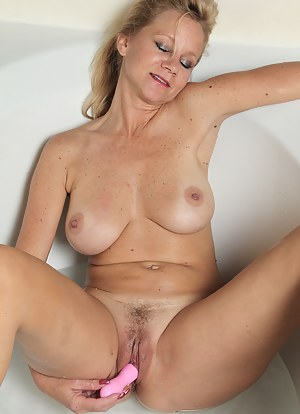 Best Dildo Porn Pictures