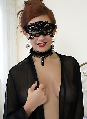Best Blindfold Porn Pictures