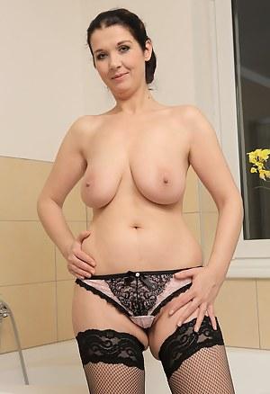 Best Saggy Tits Porn Pictures